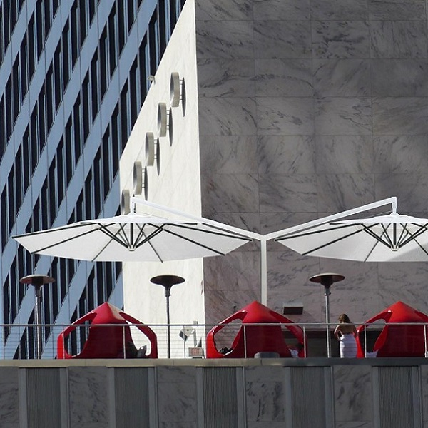 Horeca parasol Duo parasol voor horeca terrassen
